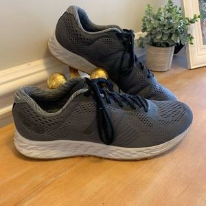 New Blance Arishi Fresh Foam Running Shoes